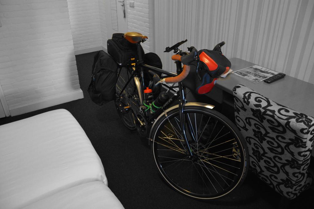 Pyörä hotellissa Amsterdamissa